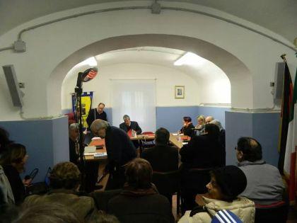 La piccola sala Nello Mergè dedicata ad accogliere i consigli Comunali del Comune di Gallicano